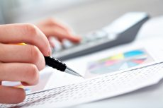 How to Keep Impulse Spending From Sinking Your Business Budget